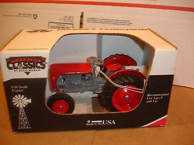 1/16 Massey Ferguson 35 Special Toy Tractor - new in box