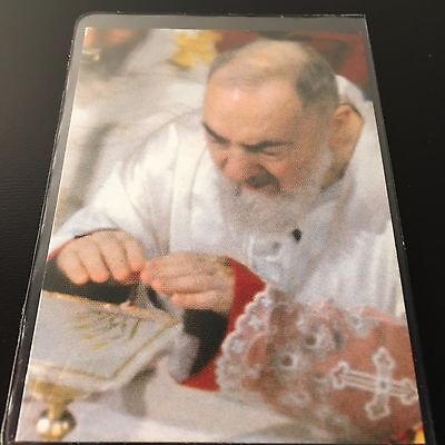 �� St. Padre Pio LAMINATED VINTAGE HOLY CARD w/ 2nd class Relic ❀ St. Father Pio