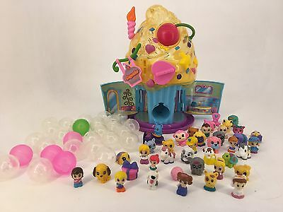 Squinkies - Cupcake Dispenser / House, Figures, Balls and Accessories
