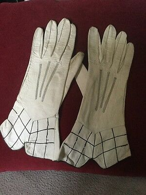 Pair Of Art Deco Period Ladies Cream And Black Patterned Leather Gloves