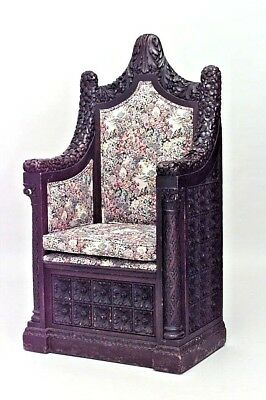 Italian Renaissance Style (19th Cent) Walnut High Back Column Sided Throne Chair
