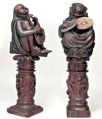 Pair of Italian Renaissance Style (17/18th Cent) Large Crouching Figures