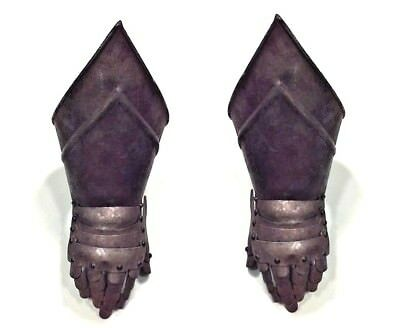 Pair of English Renaissance style metal armor gauntlet gloves (20th Cent.)