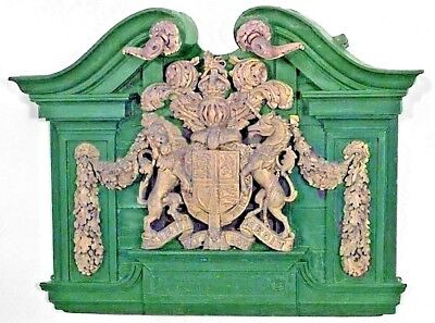 English Georgian (18/19th Cent) Green Painted and Carved Gilt Wall Plaque