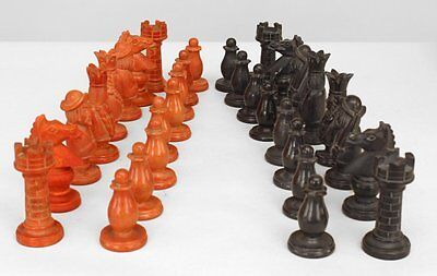 Italian Neo-classic Style (19/20th Cent) Black and Red Alabaster Chess Set