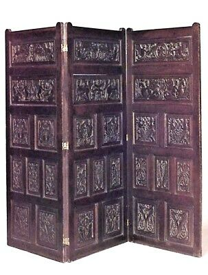 English Renaissance style (19/20th Cent) carved oak 3 fold screen