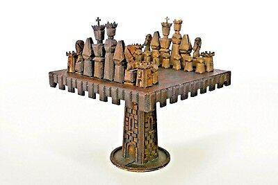 American Rustic Tramp Art Style Game Table (32 Chess Pieces)