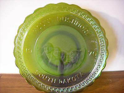 America the Beautiful Plate 2 Mt. Rushmore 1970 Emerald Green Carnival Imperial