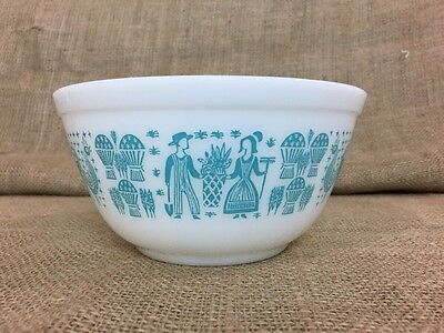 Vintage Pyrex Butterprint Bowl #402 1-1/2 Quart Nesting White And Turquoise