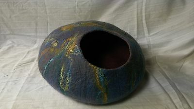 Felt Cat Cave, Cat Bed 100% natural hand felted wool with Silk