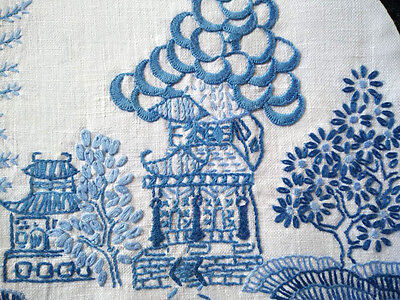 Stunning Vintage Blue Willow Large Heavily Hand Embroidered Tea Cosy/Cover