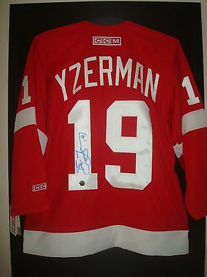 Steve Yzerman Signed Detroit Red Wings Jersey