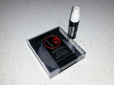 Compact CD/DVD Disk Cleaning System