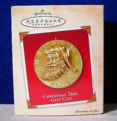 Hallmark 2002 Keepsake Ornament Christmas Gift Clip made of metal and HEAVY