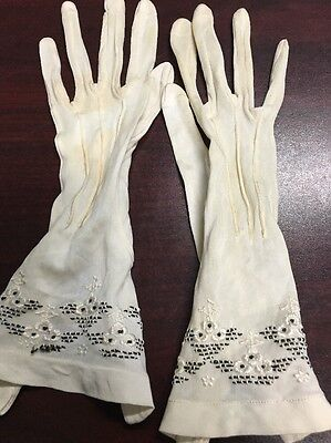 Antique Victorian Cream Silk Embroidered Gloves Snap Detail  Small 5-5 1/2