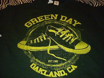 Green Day Shirt ( Size L ) NEW!!!
