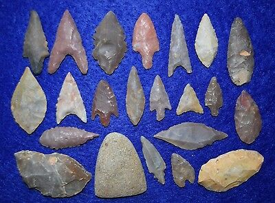 21 good, common Sahara Neolithic points, plus a nice little celt