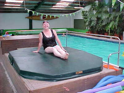 Australian Made Lockable Spa Cover Hinged Lid 125KG Load Bearing Redwood Colour