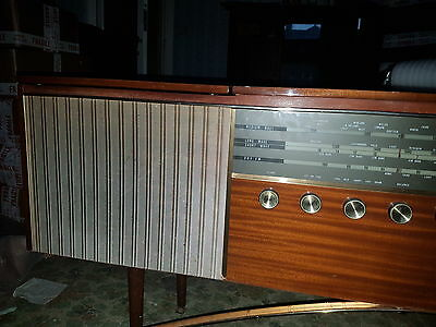 Vintage Monarch Radio and Record Player