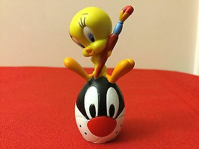 Looney Tunes Tweety and Sylvester plastic figure 2-1/2""