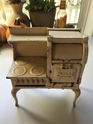 VINTAGE 1930'S CAST IRON miniature HOTPOINT ELECTRIC STOVE Child's toy