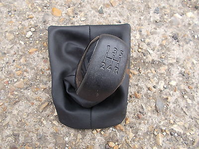 Peugeot 208 Hatchback 2008+ 5 Speed Black Gloss Gear Knob & Black Leather Gaiter
