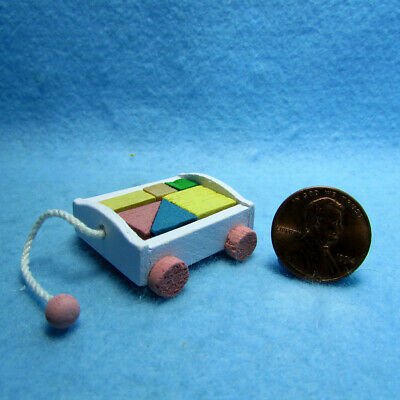 Adorable 1:12 Scale Dollhouse Miniature Wooden Dog Children/'s Pull Toy #IM65027