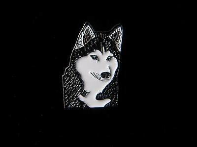 Lovely enamelled Husky brooch