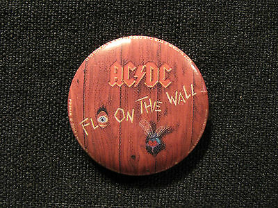"Ac/dc Official 2005 Badge Button Pin Not Lp Cd Poster Uk Made ""fly On The Wall"""