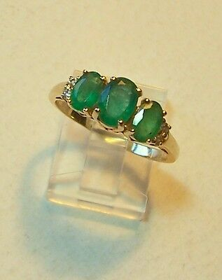 VINTAGE I4ct  GOLD EMERALD AND DIAMOND RING