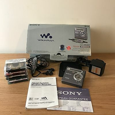 Sony MZ–G750 Minidisc Recorder FM/AM Walkman with Controller, Pouch, Manual
