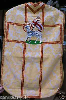 Vintage Roman Agnus Dei Fiddleback Chasuble in Fully Lined Cream Colour (C1949)