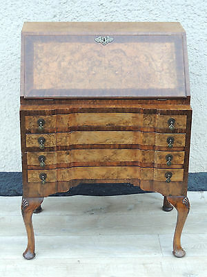 Antique walnut bureaux with Key multi drawers (Delivery possible)
