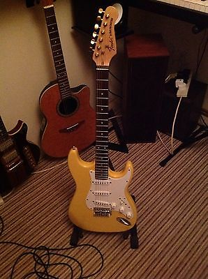 Fender Squire Stratocaster Custom electric Guitar Butter Scotch Blonde REDUCED