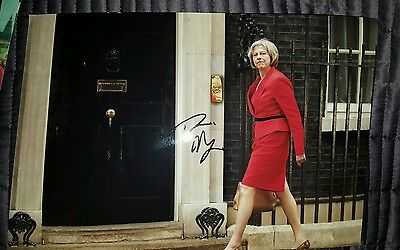 Theresa May Signed Photo Photograph Prime Minister Rare Winston Churchill Look!!
