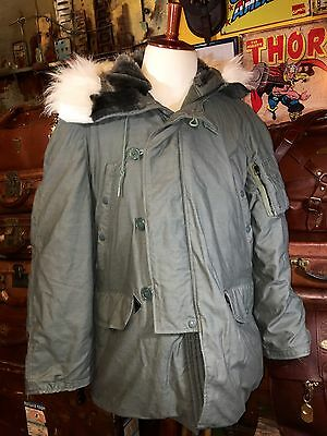 Vintage US AF Jacket Flying Man's Type N-3B - Fur Trimmed Parka Size Medium 1981