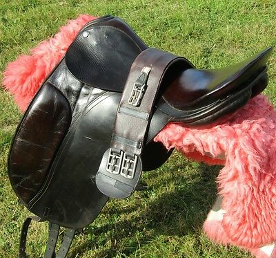 "17"" No 2 Fit English Leather County Competitor Dressage Saddle and Girth"