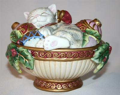 FITZ AND FLOYD ESSENTIALS Kristmas Kitty Round Box with Lid  #977