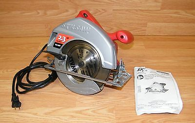 "Genuine Skilsaw (5400) 7-1/4"" (184mm) Corded Circular Saw With Blade **READ**"