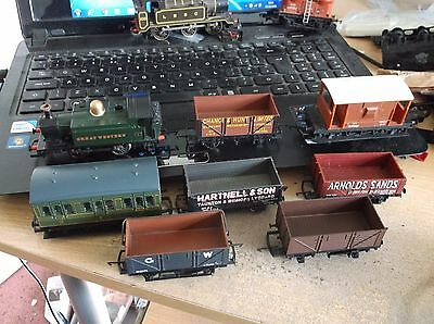 Hornby O 4 0 Locomotive Gwr Plus 1 Coach And 6 Wagons