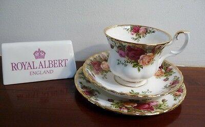 Royal Albert Vintage  'OLD COUNTRY ROSES' Tea Trio  1st Quality England