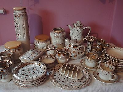 """40 piece Fosters Oven Pottery Tableware in """"Honeycombe"""""""