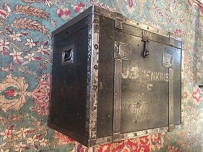 ANTIQUE MILITARY CAMPHOR CHEST ( coffee table/ blanket box)