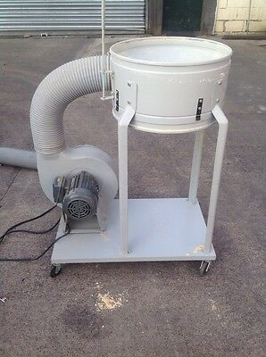 Portable Saw dust/chip extractor/bagger