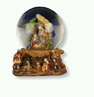 ,* Resin Nativity Glass Waterball/Snowglobe holy Family/Kings  Xmas Decoration