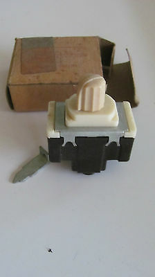 Vintage Bakelite Ivory Roto Glo Quiet Switch P&s