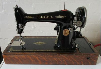 Vintage 1930 Singer 66K Sewing Machine with Case and Accessories