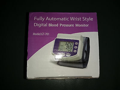 GT-701 Fully Automatic Wrist Type Large LCD Display Oscillometric Blood Pressure