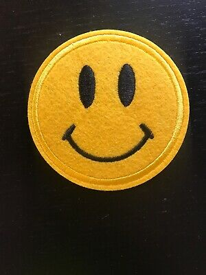 Smiley Face Patch - Iron On - Sew/Stitch/Glue On - Smily Happy Kawaii Cute