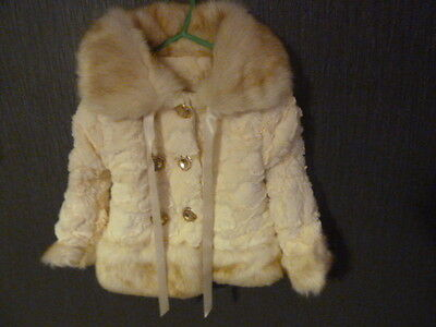 Fabulous, cosy cream faux fur coat age 1 -2 years. Gorgeous Christmas gift. New